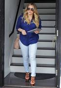 http://img295.imagevenue.com/loc368/th_129994224_Hilary_Duff_at_hair_salon_in_Beverly_Hills18_122_368lo.jpg