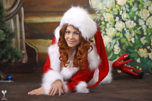 http://img295.imagevenue.com/loc373/th_531505792_silver_angels_Sandrinya_I_Christmas_1_082_123_373lo.jpg