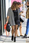 http://img295.imagevenue.com/loc469/th_506479405_Sophia_Bush_out_shopping_in_LA1_122_469lo.JPG