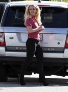 Бритни Спирс, фото 15589. Britney Spears - booty in jeans at a bowling alley in California 01/29/12, foto 15589