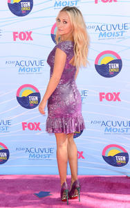 th_003772921_Hayden_Panettiere_at_The_20