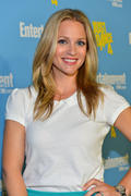 http://img295.imagevenue.com/loc568/th_353720311_Entertainment_Weeklys_6th_Annual_Comic_Con_Party1_122_568lo.jpg