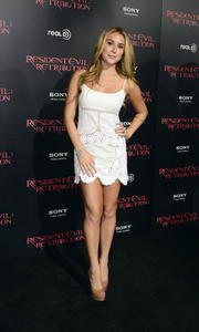 http://img295.imagevenue.com/loc90/th_585655477_AlexaVega_ResidentEvilRetributionPremiere_Hollywood_11_122_90lo.JPG